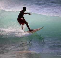 Летом на Бали - разгар сезона серфинга