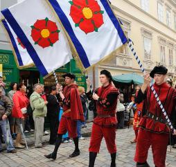 Культурная жизнь Чехии в течение года обогащается тематическими фестивалями, концертами и выставками