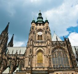 Основная масса населения Чехии - атеисты, тем не менее религиозные праздники в стране отмечают, и некоторые из них даже являются официальными выходными днями