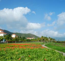 В марте и апреле на Хайнане стоит великолепная погода, но в последний месяц весны количество осадков поступательно нарастает, впрочем, это не особо мешает отдыху