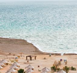 Осенью в Иордании самые лучшие погодные условия для купания и принятия солнечных ванн