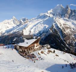 Зимой Испания уготовила прекрасный отдых для любителей горнолыжного спорта