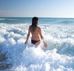 Летом в Испании есть множества интересных занятий, но самое лучше это конечно море и солнце!