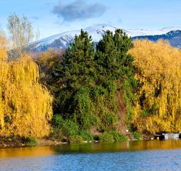 Испания в сентябре и октябре мало чем отличается от лета, а вот в ноябре можно найти и такие пейзажи!