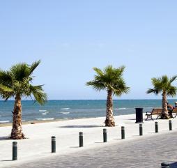 Осень на Кипре теплая и купаться можно даже в ноябре, однако, с октября периодически идут дожди