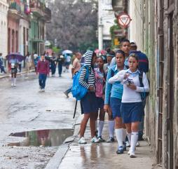 В первые два месяца осени Куба испытывает обильные осадки, достаточно жарко и очень душно, но в ноябре погода начинает стабилизироваться