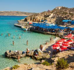 В июне на Мальте море ещё может показаться прохладным для купания