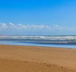 В бархатный сезон температура воды в океане самая теплая в году