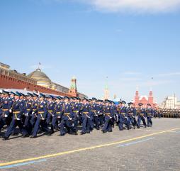 В течение круглого года Россия отмечает большое количество праздников, летом упор делается на фестивали и всевозможные концерты
