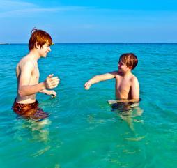 Прохладный сезон - это самое комфортное время для пляжного отдыха. Больше моря и солнца!