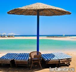 Высокий пляжный сезон на тунисских курортах длится с июня по август