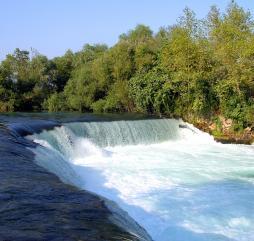 До середины осени в Турции вас гарантированно ждет хорошая погода и теплое море, а после, как правило, приятные прогулки с возможным купанием!