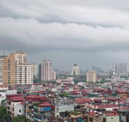 В целом лето не лучший сезон для поездки во Вьетнам - идут ливни, к тому же возрастает риск тайфунов